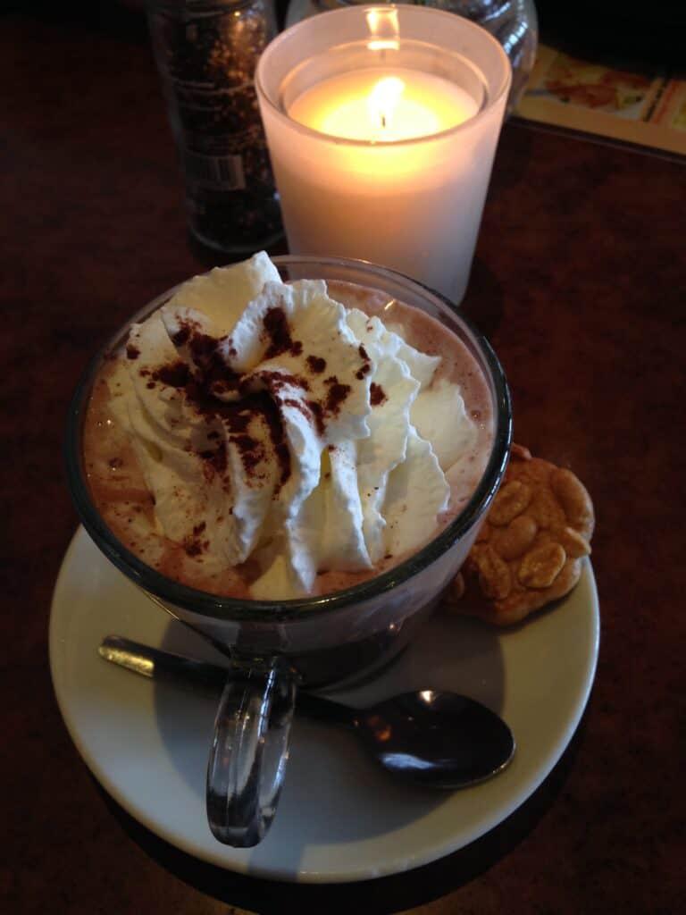 Volendam, Holland – Classic Dutch Hot Chocolate